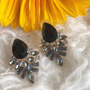 Jewelry - Black rhinestone statement earrings